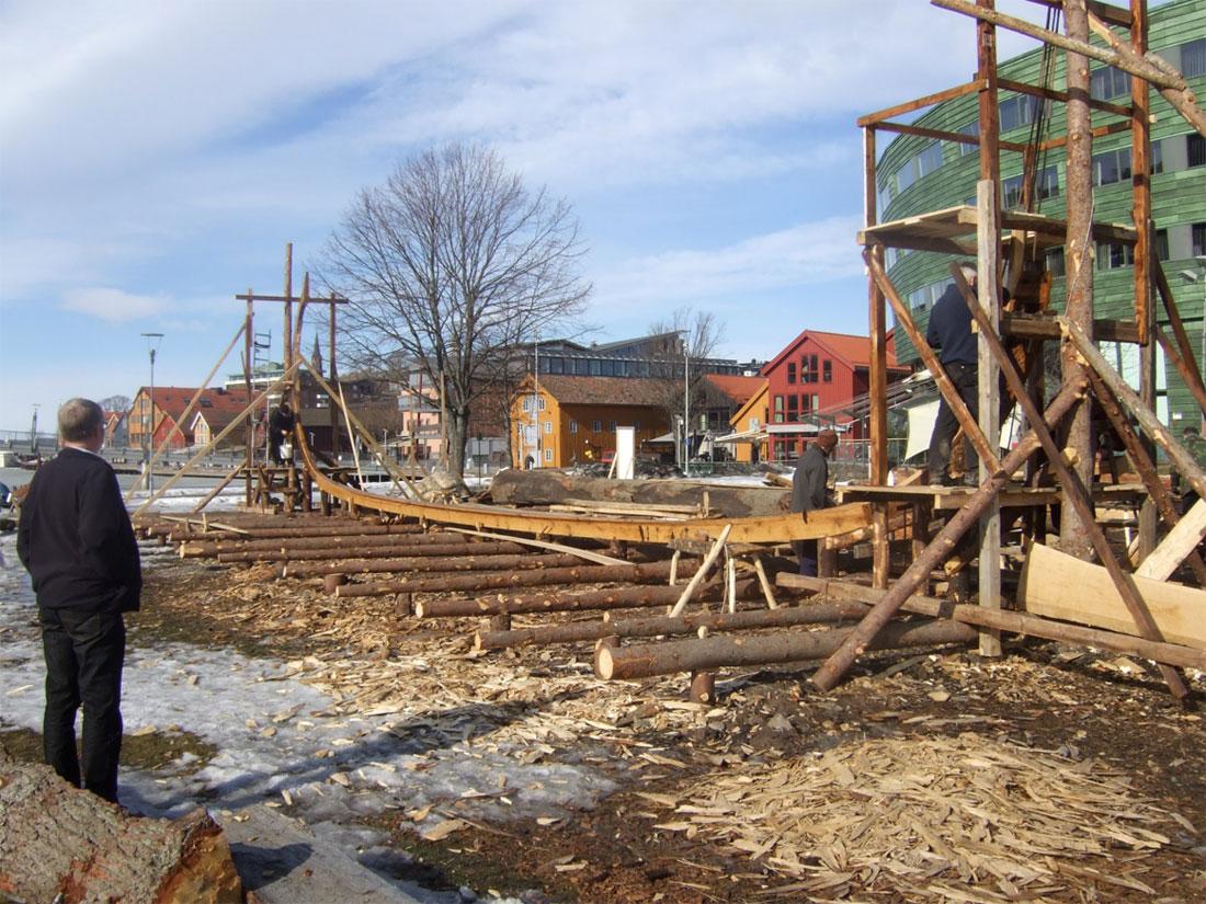 Kjølen på replikaen av Osebergskipet er bygget av tømmer fra Jarlsberg.